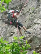 La pratique de l'escalade en forêt de Mervent